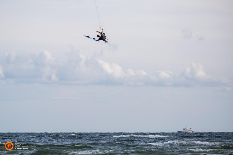 Aaron Hadlow board-off Germany Air Games