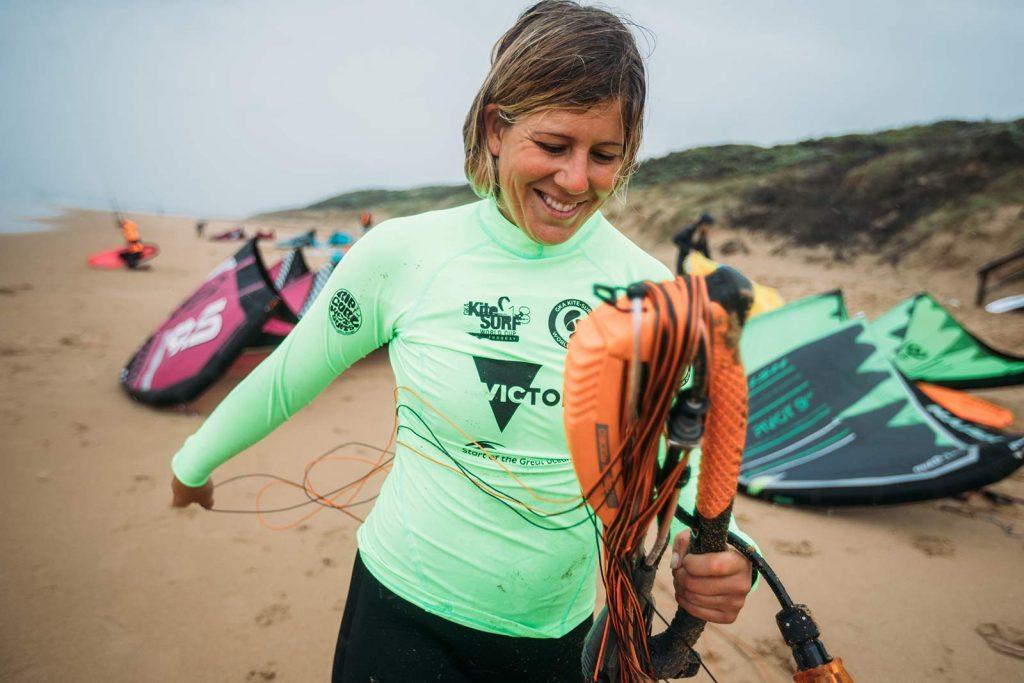 Carla Herrera Oria kiting in Australia